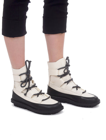 Trippen Shoes Proof Boot, White/Black