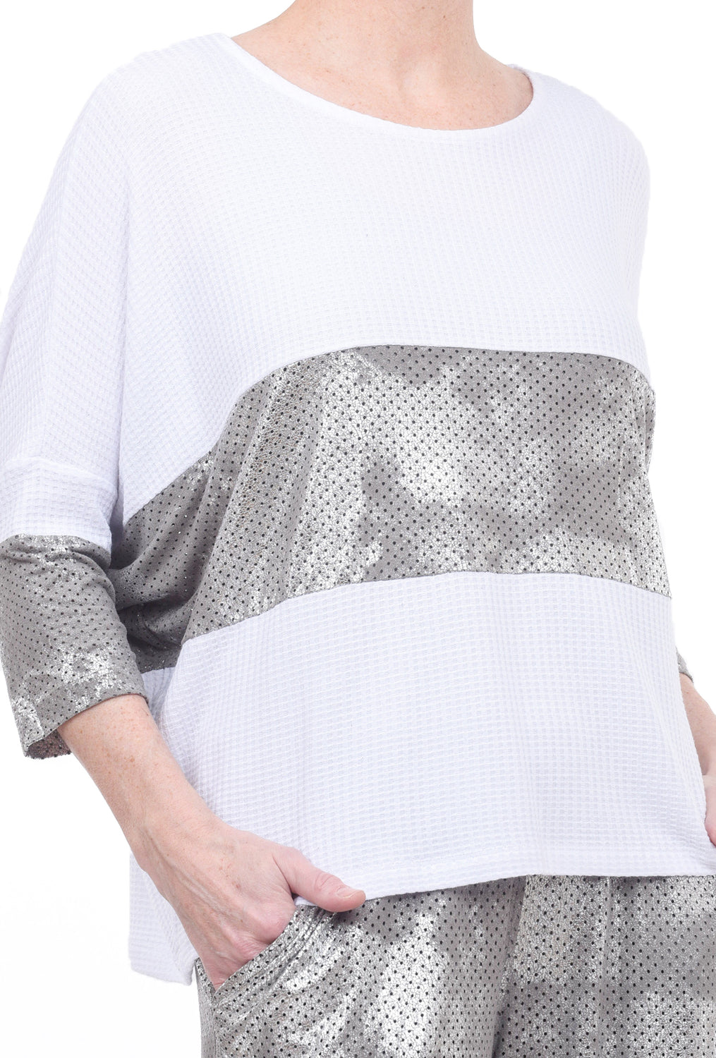 Alembika Perf Inset Waffle Top, White/Silver