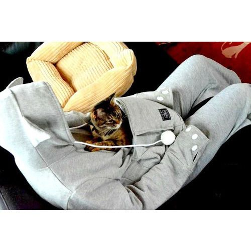 Cat Hoodie with Cat Pouch and Pompoms for your Cat! - Sweety Cats Boutique - 3