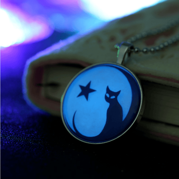 Glow in the Dark Star and Cat pendant Necklace - Sweety Cats Boutique - 3