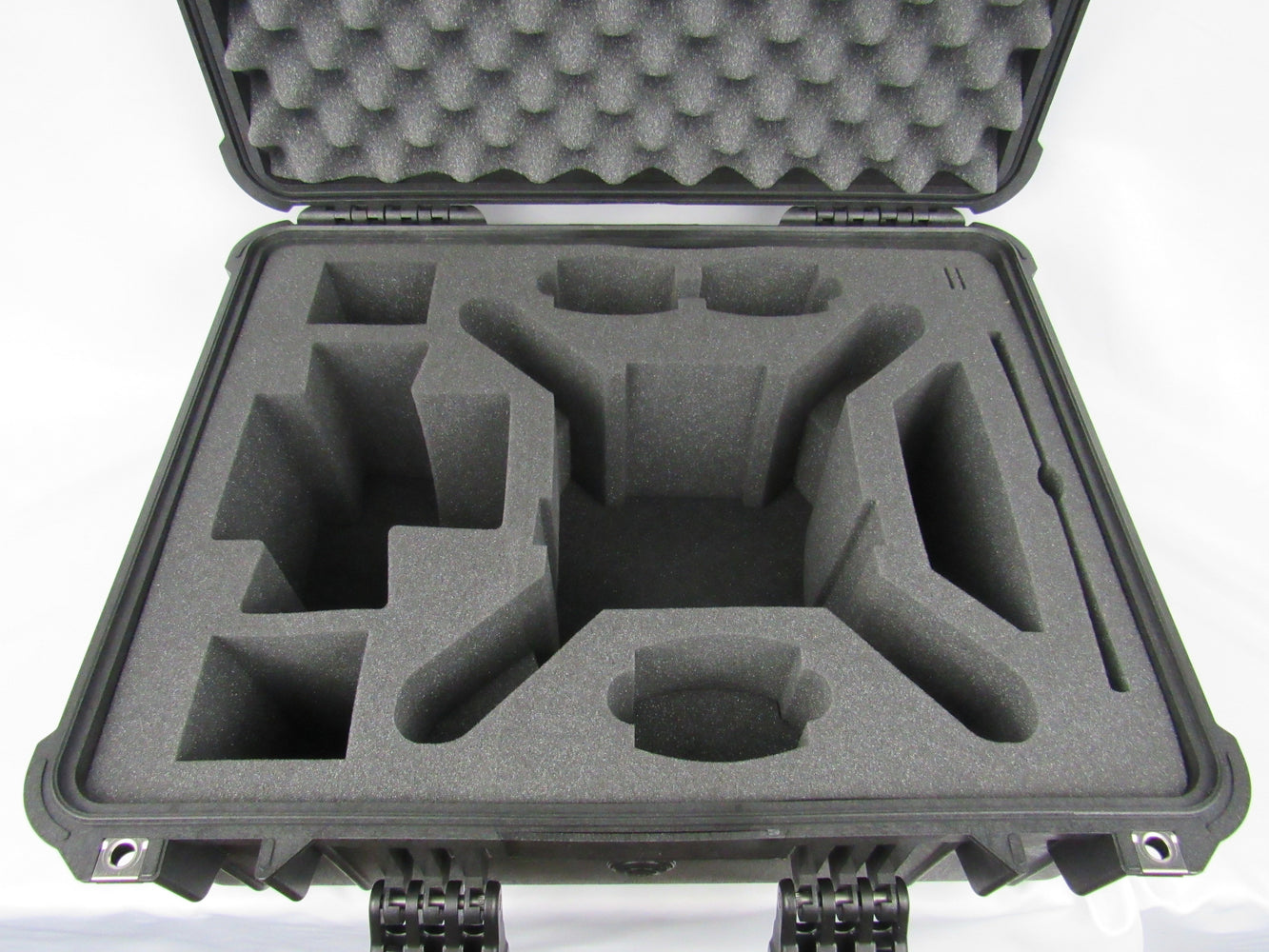Pelican Case 1610 with Foam Insert for Phantom 3 Drone (Propellers On)