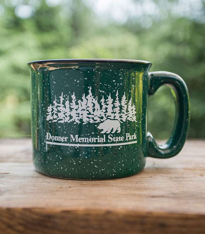 Donner Mug With Bear and Trees Green color