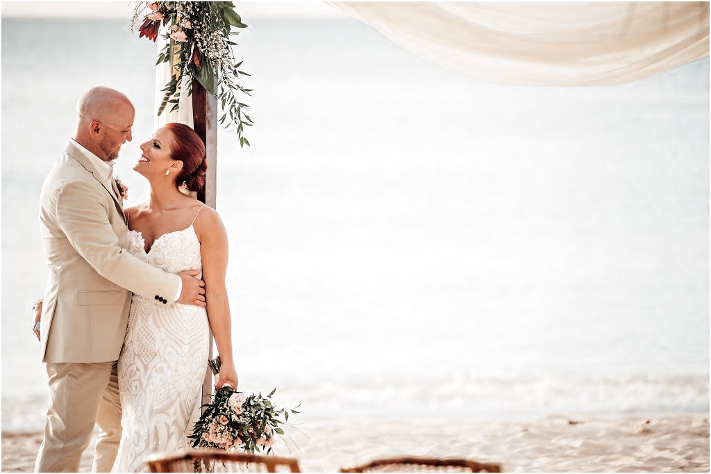 Cayman's_Allure_Meredith_and_Matt's_Beach_Wedding