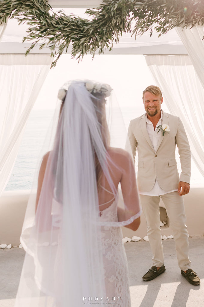 Grooms_outfit_for_beach_wedding