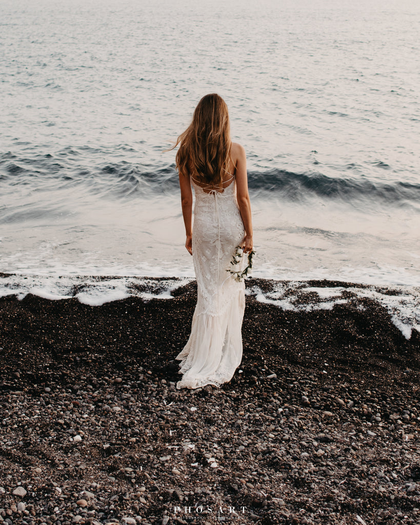 Beach bride lace dress