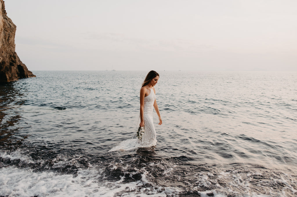 Boho beach bride ruin the dress moment