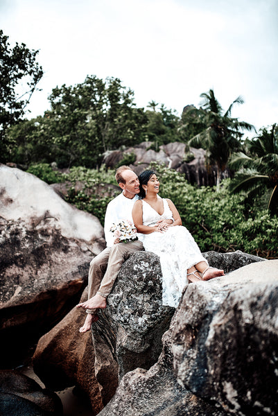 Plan your Seychelles wedding ceremony amidst cinnamon trees and frangipani, or on the peaceful powder-sand beach at Four Seasons Resort Seychelles