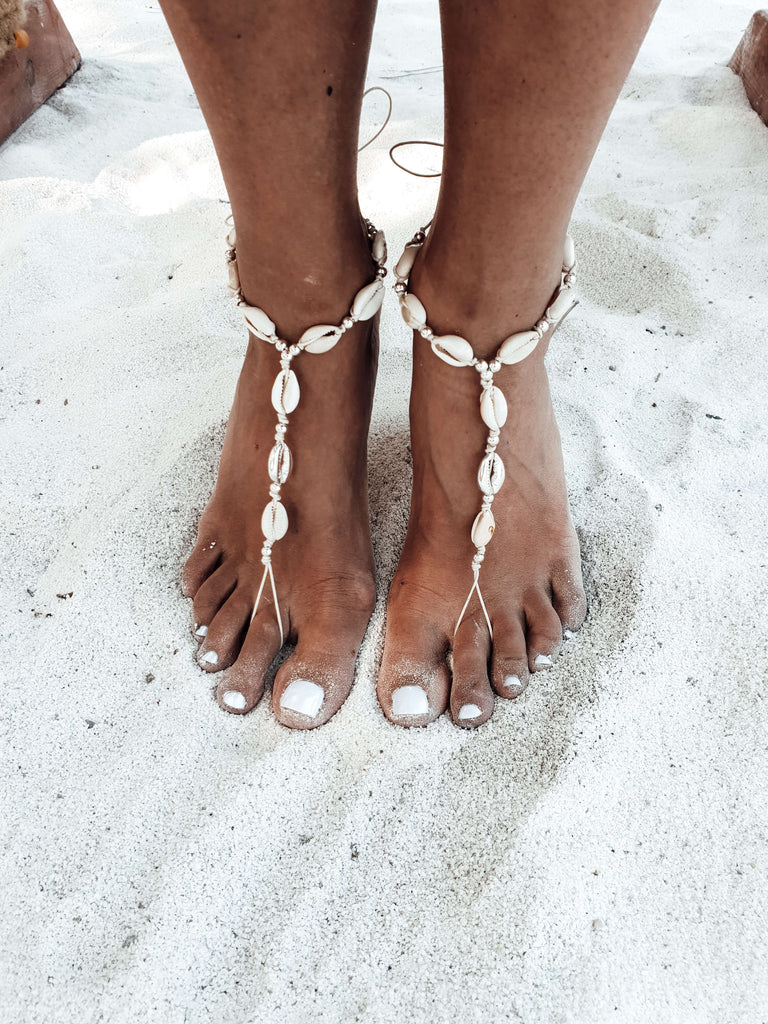 beach_foot_jewelry_cowry_shells