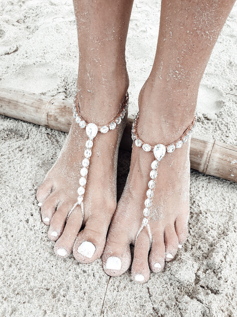 Barefoot Sandals and bridal foot jewelry are perfect to adorn your feet. Beaded barefoot sandals, wedding barefoot sandals, boho barefoot sandals