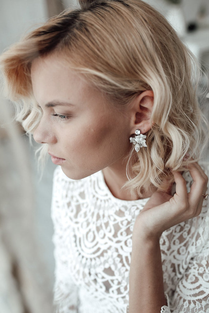 The set of modern bridal floral earrings