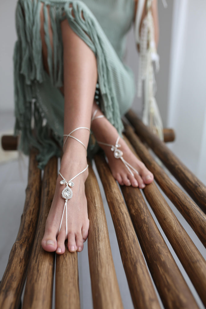Barefoot_sandals_Fere