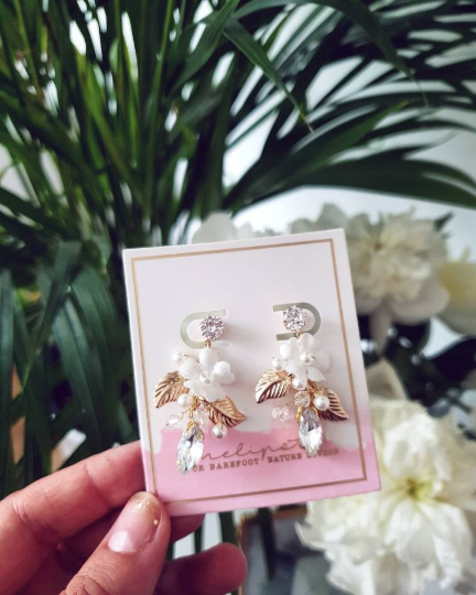 wedding gold rhinestone stud earrings with pearls and flowers