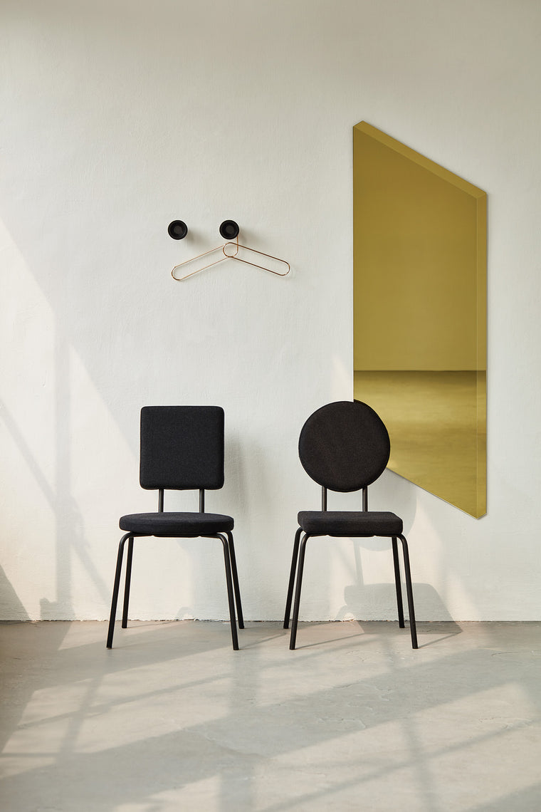 Option chairs by puik with Facett mirror