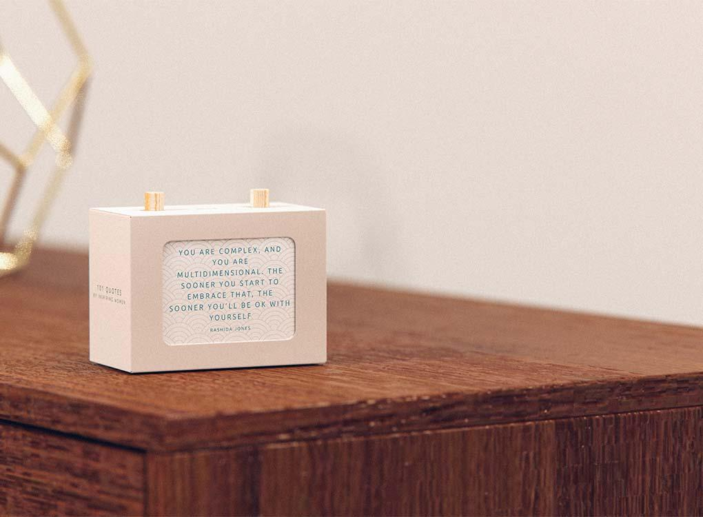 Daily inspiration and motivation from the most successful and influential women of our time.Turn the wooden pegs on this little box each day to reveal 101 quotes that will inspire you to think big and be great. Plastic free. WORLDWIDE SHIPPING. FREE UK SHIPPING OVER £30.
