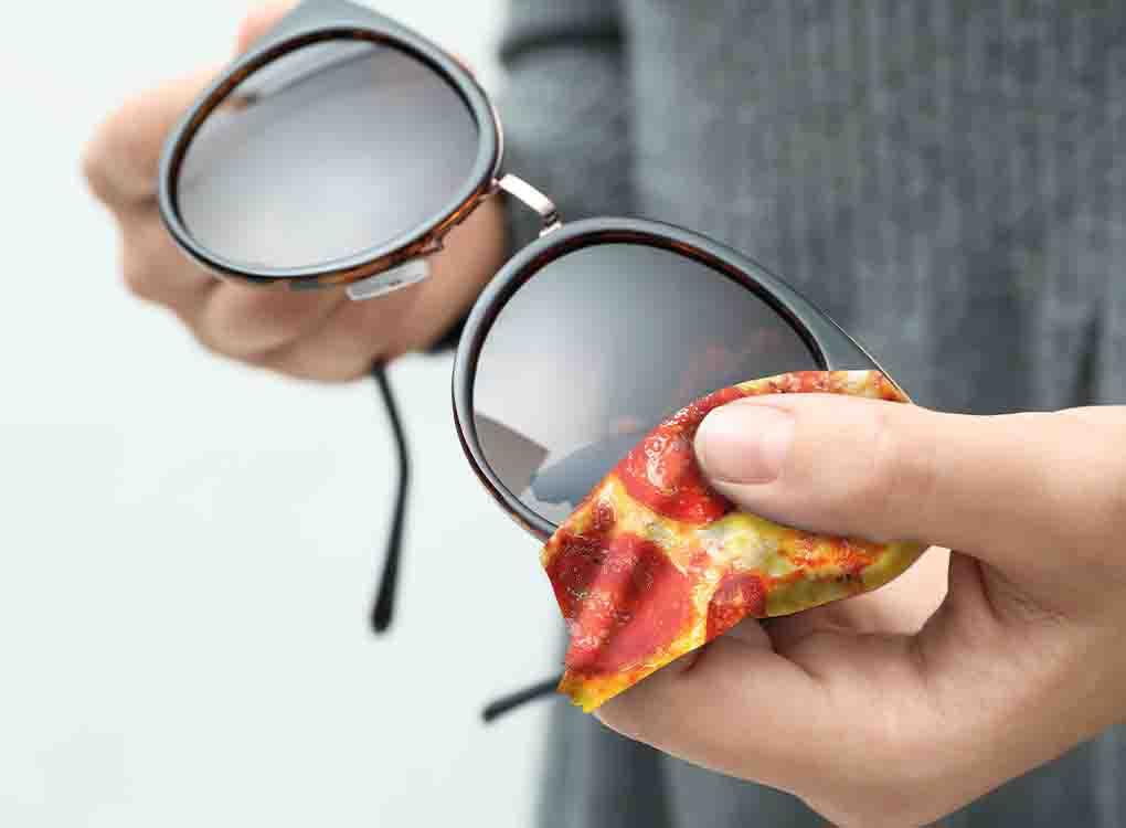 This ultra-soft microfiber cloth, printed front and back, will keep your specs, lenses and screens spotlessly clean. Style: pizza. Worldwide shipping. Free UK shipping over £30.