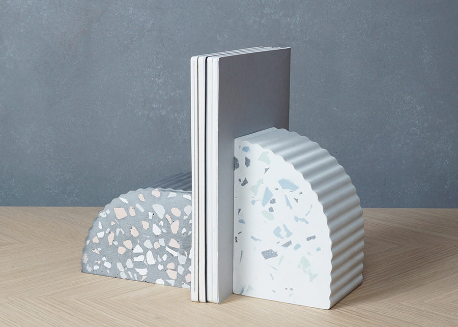 Product shot of Sahara Bookend in Grey