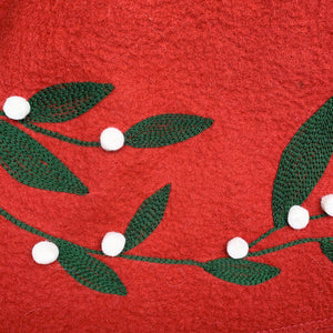 Red Winter Berry Tree Skirt