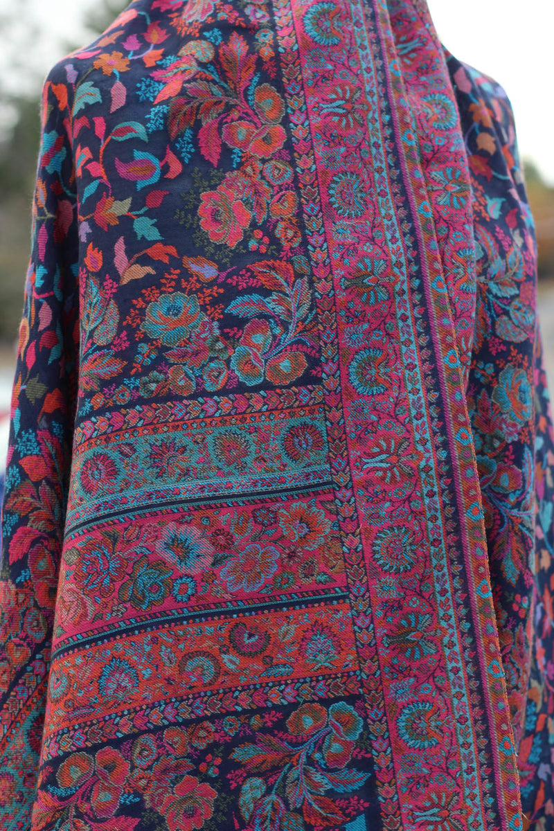 Soft Kashmiri pure wool shawl.