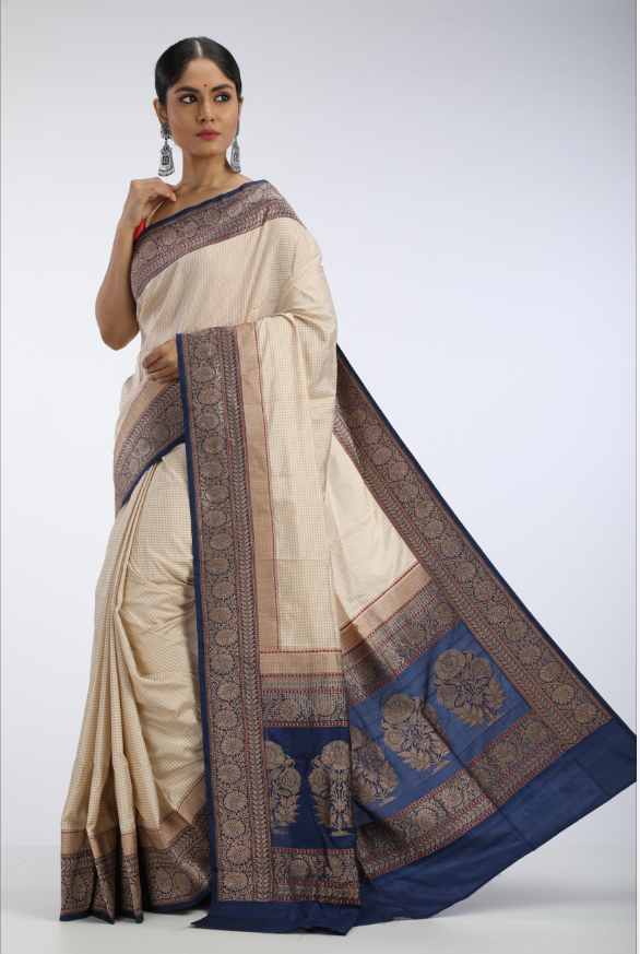 Check Benarasi Saree