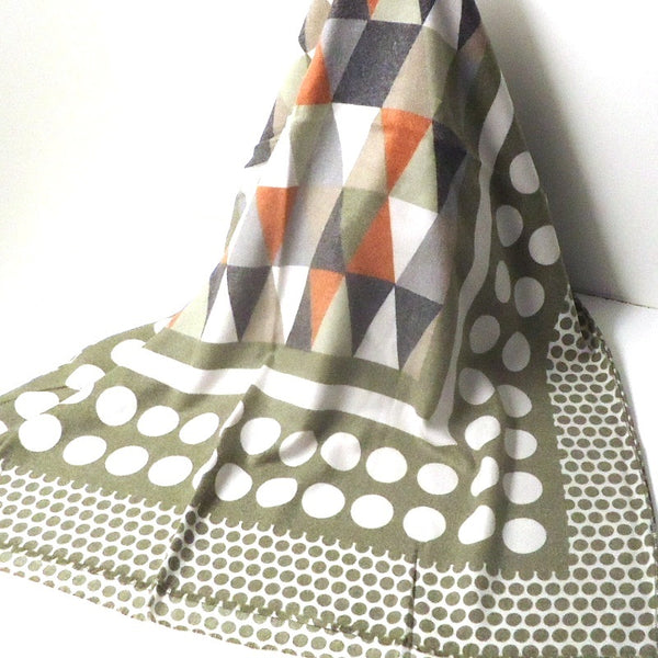 Triangle Pattern Scarf, Olive