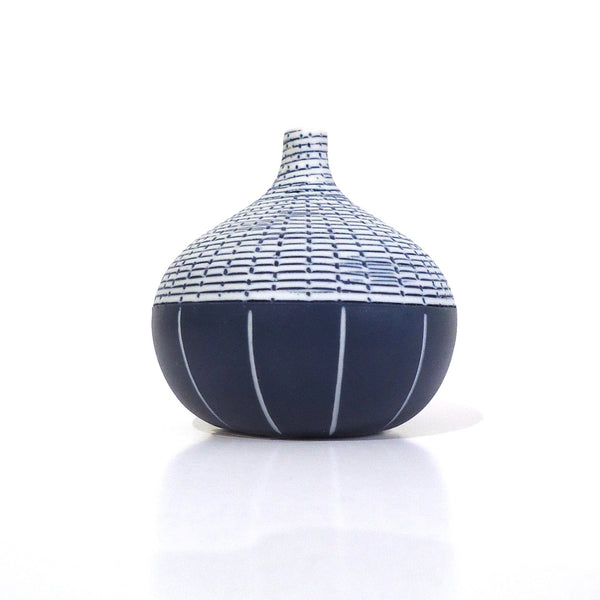 Thai Vase, Congo Tiny Blue