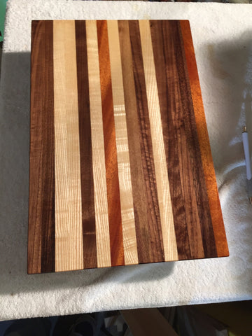 Edge-Grain Cutting Board