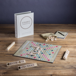 Scrabble: Vintage Bookshelf Edition