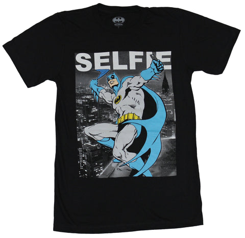 Batman (DC Comics) Mens T-Shirt - Batman Taking A Selfie Over The City Image