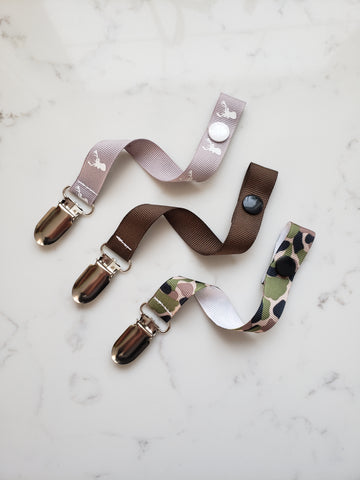 Camo PACIFIER CLIP - Deer Head Soother Clip - Baby Boy Shower Gift Set - Boys Universal Pacifier Holder - Paci Clip Soothie String