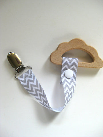 Wooden Cloud Teething Ring with Chevron Pacifer Clip - Natural Wood Teether for Baby - Baby Shower Gift