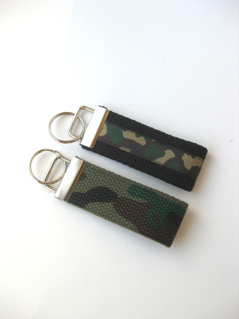 Fathers Day Gift- Camo KEY FOB- Mens Gift for Him Under 10- Camo Keychain for Men- Guys Key Chain- Gift for Men- Boyfriend Gift-Mens Keyring