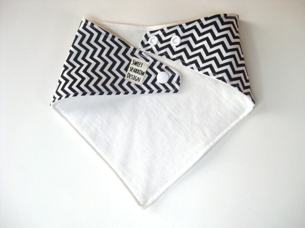 Baby Boy Bandana Bib- Chevron Baby Bib- Black and White Bandana Bib- Chevron Scarf Bib- Drool Bib- Baby Boy Shower Gift- Modern Baby Gift