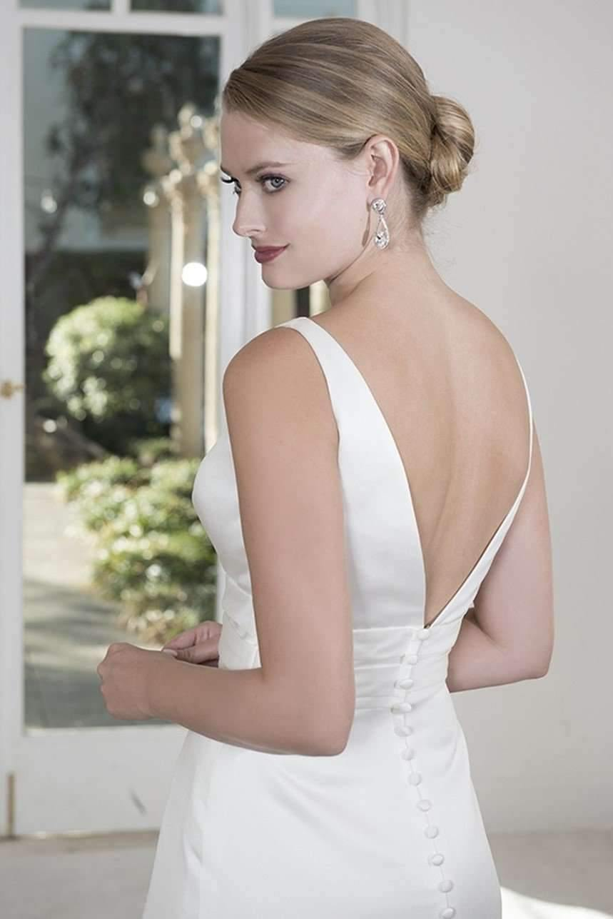 UK22 - VENUS - AMELIA - SALE - Adore Bridal and Occasion Wear