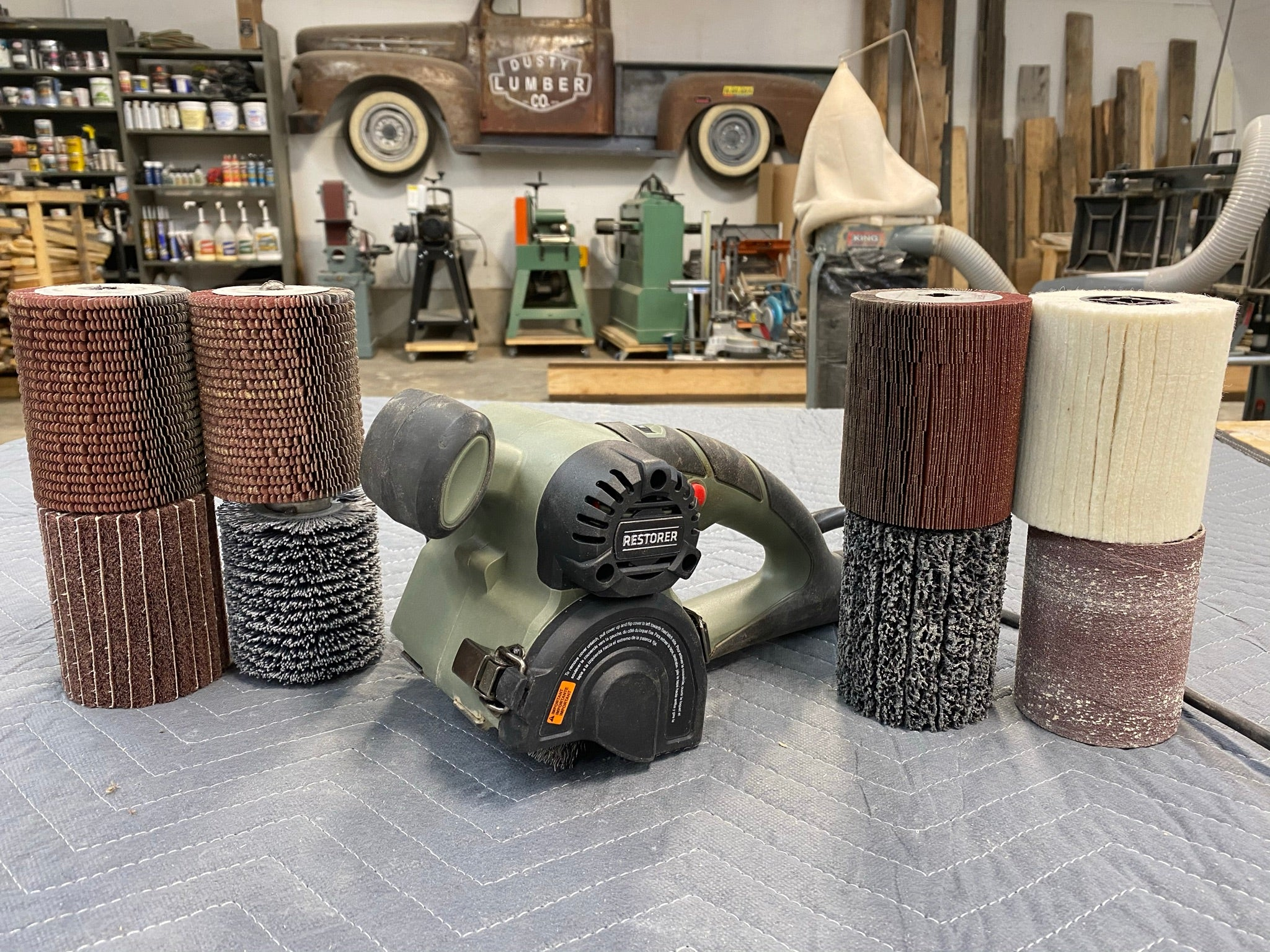 Restorer and woodworking brushes