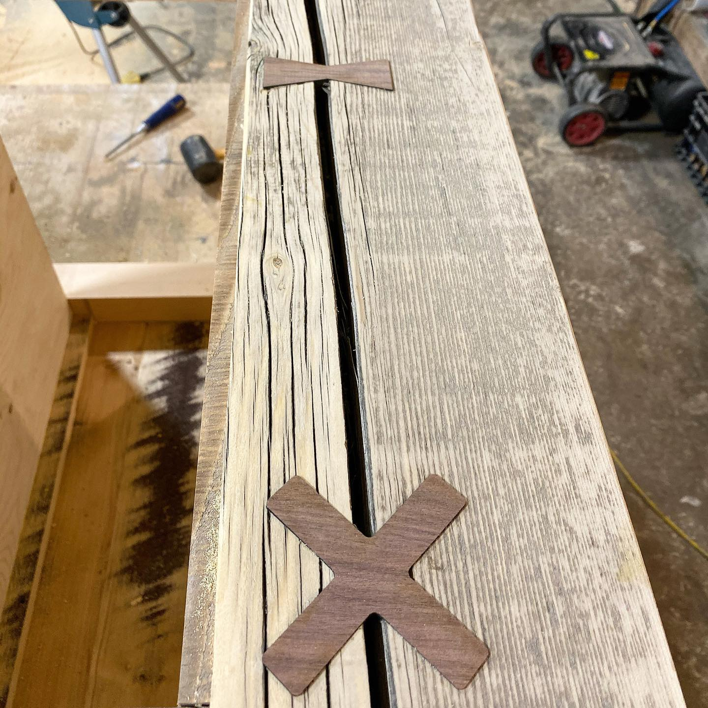 Slabstitcher cross and bow tie