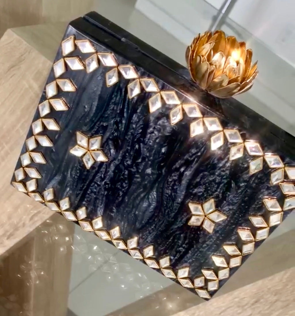 Fancy Clutch - MuurSwagg