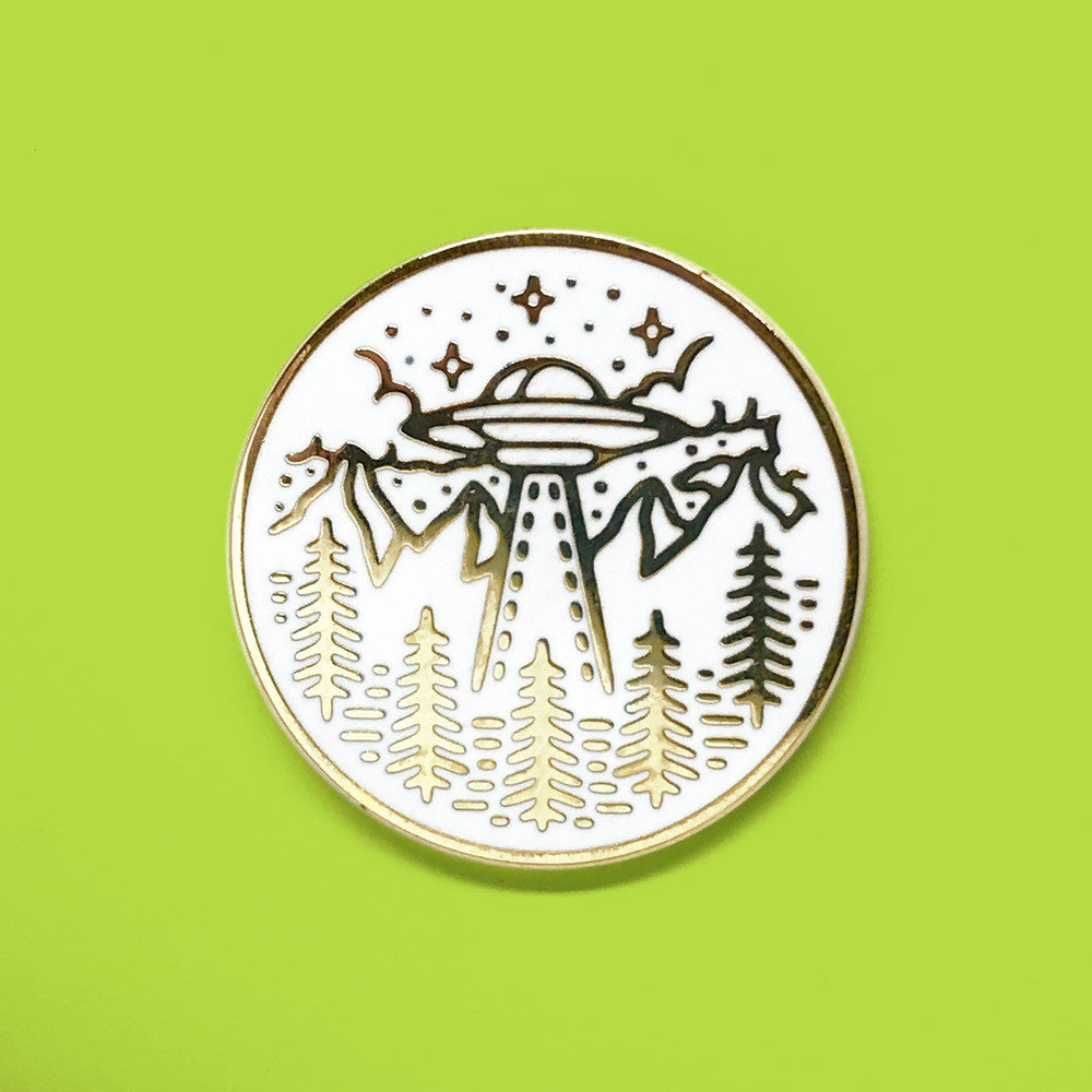 Crop Circles Alien Saucer Pin