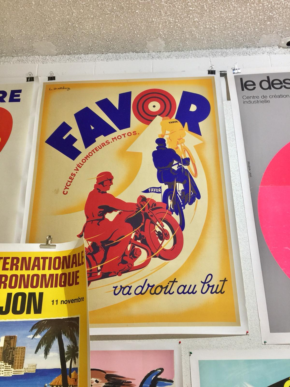 Favor Motorcycles & Cycles France To The Point