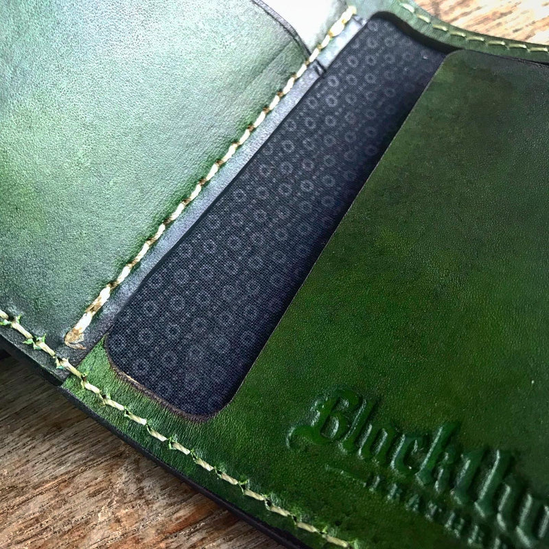 THE GALWAY: Vertical Snap Wallet - Emerald Green