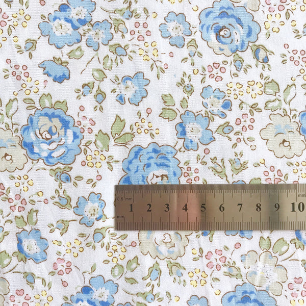Lori Blue - Medium Floral