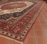 The colour palette used in this quality hand made rug is exceptional.