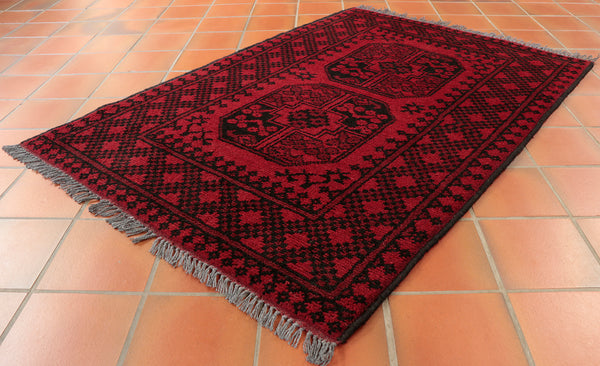This Aqcha is 115 x 80cm (3'9 x 2'8) in size.
