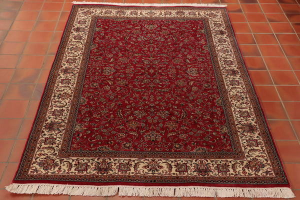 This delightfully elegant Kashmir Silk is a wonderful marriage of Kashmir intricacy and Persian design.