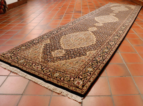 A stunning hard wearing runner which will make a statement in your hall.