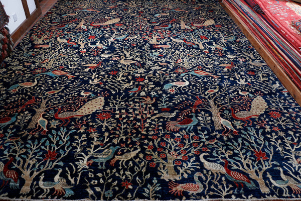 It is not often we find a carpet with no borders at all.