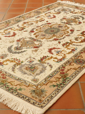 Fine Persian part silk Tabriz rug - 306300