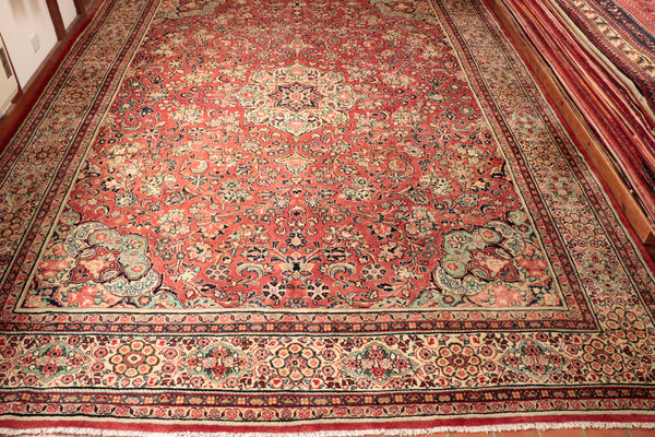Hand knotted with a fairly thick wool pile this carpet would look magnificent in a large drawing room.