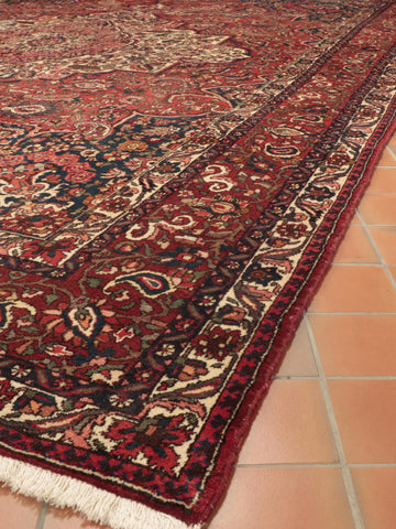 Persian Bakhtiar oversize carpet - 518407
