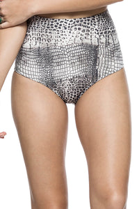 Chica Hermosa Hot Pants