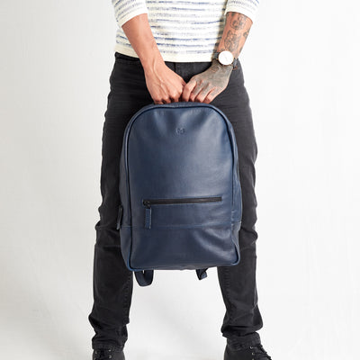 Style backpack frontal view. Bisonte blue by Capra Leather.